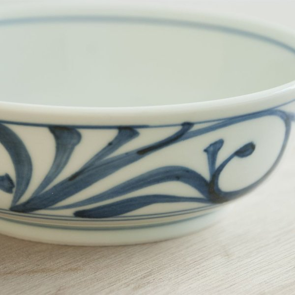 画像2: 【梅山窯】平鉢4.7寸唐草